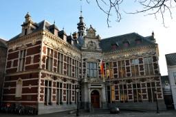 Academiegebouw outside